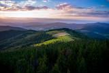 Fototapeta  - Beskid wyspowy, zachód słońca. Widok z Gorca