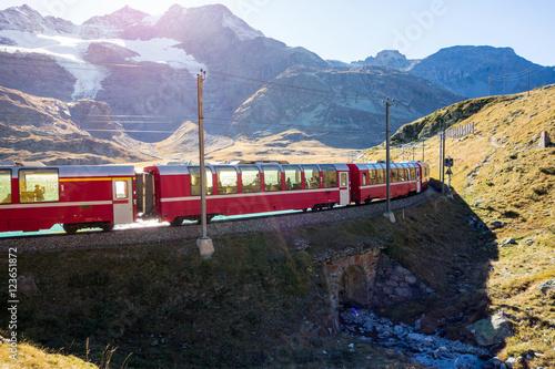 Obrazy na płótnie Canvas Bernina Eisenbahn, Lago Bianco, Morteratsch, Graubünden, Schweiz