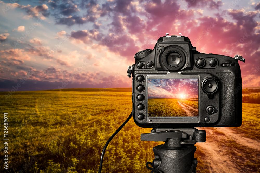 Fototapety, obrazy: Digital camera concept.