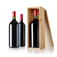 Verschiedene Rotweinflaschen