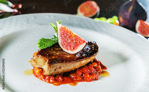 Fried foie gras with figs