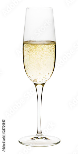 Fotografía Flute glass of sparkling champagne wine isolated on white background