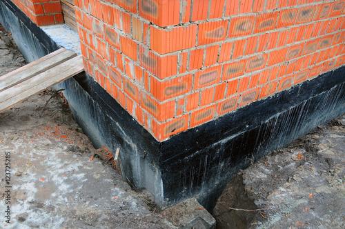Fotografía  Waterproofing foundation bitumen