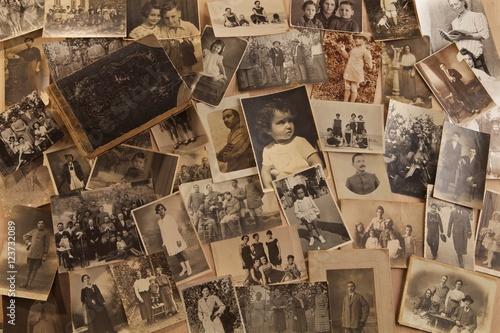 Fototapeta Vecchie fotografie con album fotografico