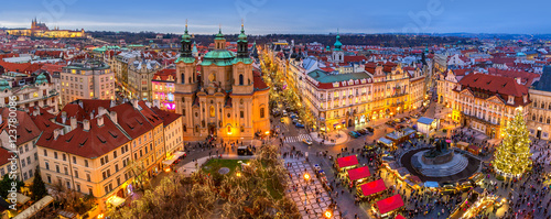Poster Praag Panorama of Old Town of Prague at Christmas time.