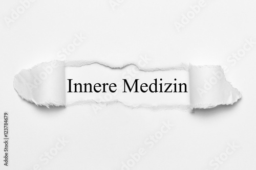Fotografie, Obraz  Innere Medizin auf weißen gerissenen Papier