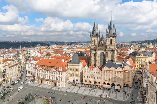Plakat Budynki na Rynku Starego Miasta w Pradze