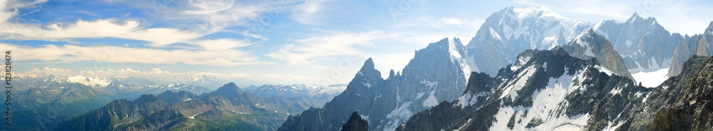 Fototapety, obrazy: Panoramic landscape of mountain range of the Mont Blanc