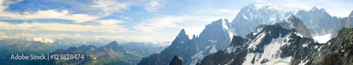 Obraz Panoramic landscape of mountain range of the Mont Blanc - fototapety do salonu