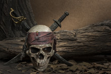 Pirate Skull With Two Swords