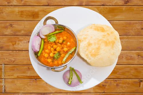 Αφίσα  Traditional Inidan fastfood - Chola Bhautra