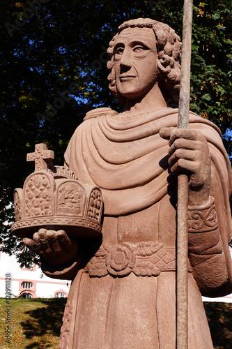 Obraz na plátně Denkmal Heiliger Lothar vor der Sankt, Salvator Basilika, Prüm, Rheinland-Pfalz,