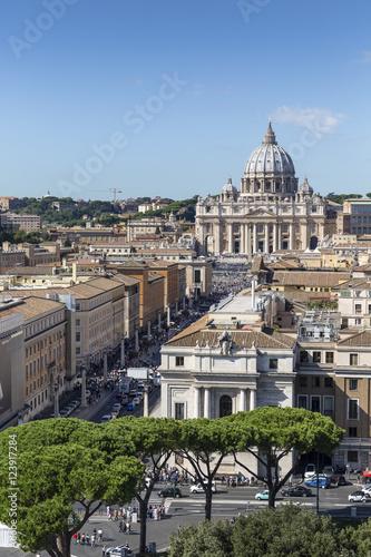 Blick von der Engelsburg zum Petersdom, Rom, Italien #123917284