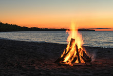 Beach Bonfire With Beautiful S...