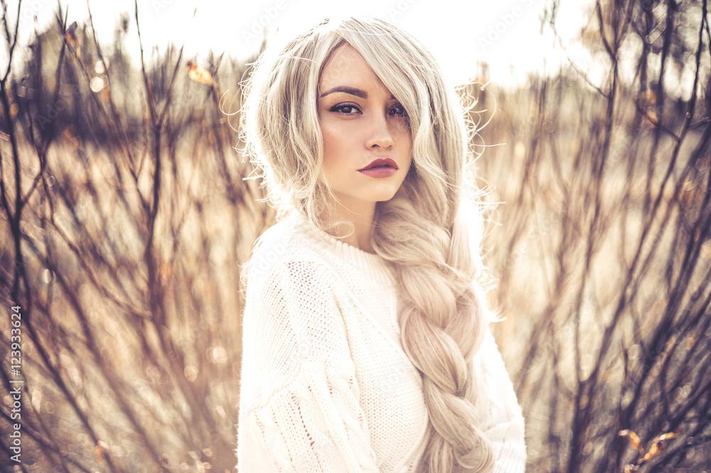 Fototapety, obrazy: Beautiful lady in autumn landscape