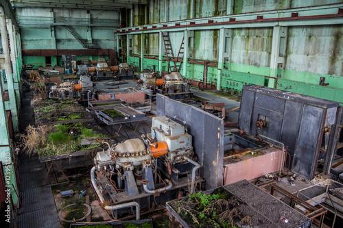 Papiers peints Les vieux bâtiments abandonnés Machinery of abandoned factory of synthetic rubber