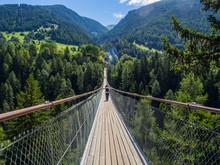 Puente Colgante De Ernen Goms Sobre El Rio Ródano, Suiza Verano De 2016 OLYMPUS DIGITAL CAMERA