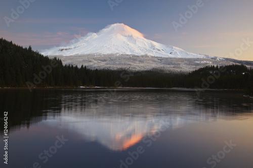 Trillium Lake And Mount Hood At Sunrise; Oregon, United States of America
