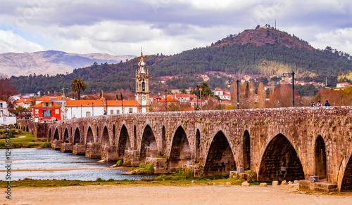 Fotografie, Obraz  Ponte de Lima in Portugal - Historische Brücke