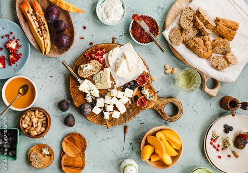 Photo  Gourmet food table