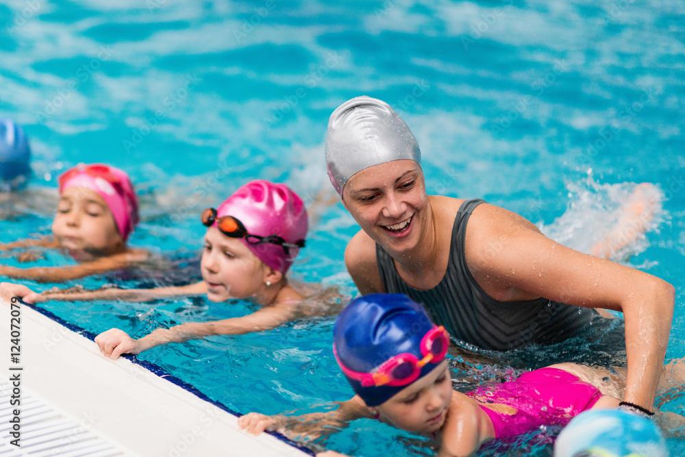 Fototapety, obrazy: Swimming school