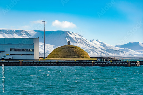 фотография Pufa sculpture by Olof Nordal in Reykjavik harbor, Iceland at morning of MARCH 24, 2016