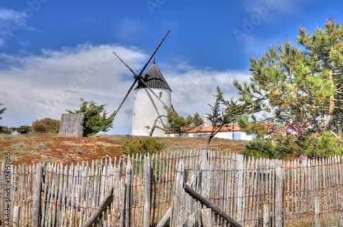 Fotografía  Moulin à vent sur l'île de Noirmoutier en Vendée