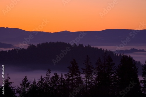 Deurstickers Aubergine Sunrise As Seen From Mount Scott, Willamette Valley, Oregon, United States Of America