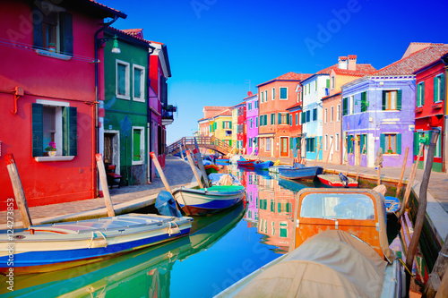Leinwand Poster Colorful houses in Burano, Venice, Italy