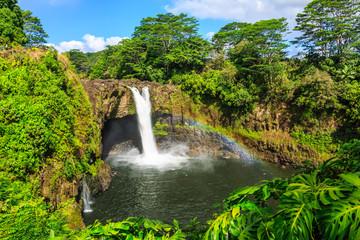 Hawaje, Rainbow Falls w Hilo