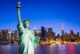 Fototapeta New York - New York City skyline mit Freiheitsstatue