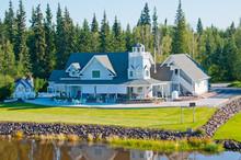 Beautiful Home Along The River In Fairbanks, Alaska