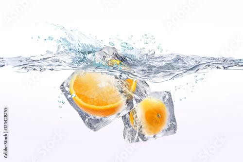 Staande foto Opspattend water オレンジ