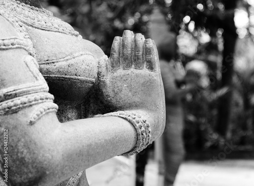 Photo indian woman statue in namaste