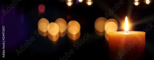 Fotografie, Obraz  Kerze - adventskerze auf dunklem Hintergrund mit Unschärfe