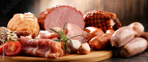 Fond de hotte en verre imprimé Viande Meat products including ham and sausages