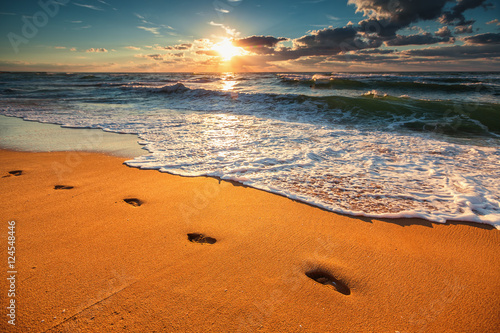 Poster Mer coucher du soleil Beautiful sunrise over the sea