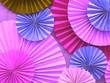 Leinwanddruck Bild - Pink paper craft fan background