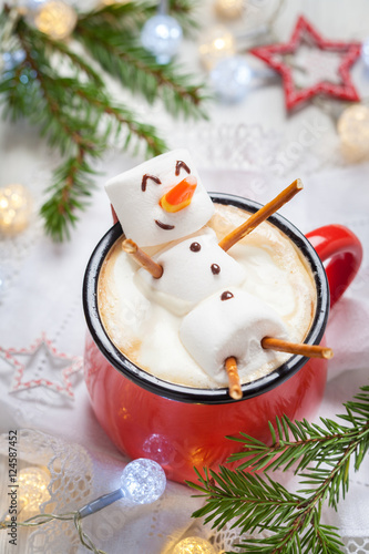 Printed kitchen splashbacks Chocolate hot chocolate with melted marshmallow snowman