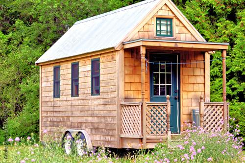 Fotografia, Obraz View of tiny house with porch