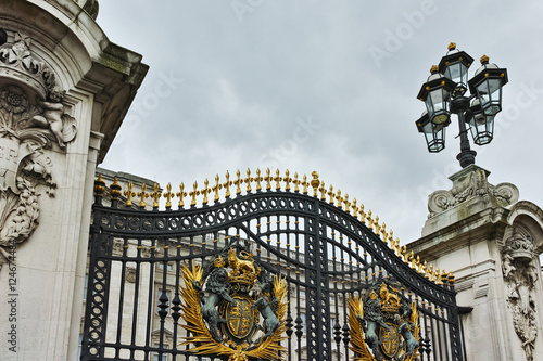 Fotomural Entrance of Buckingham Palace London, England, Great Britain