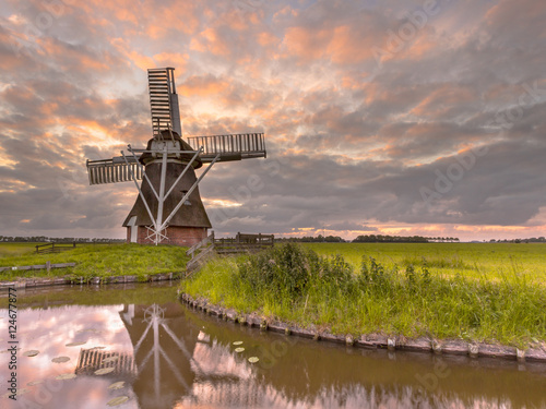 Deurstickers Molens Wooden windmill