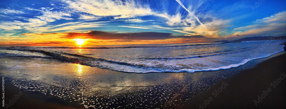 Fototapeta Happy sunset should enjoy everyday make that