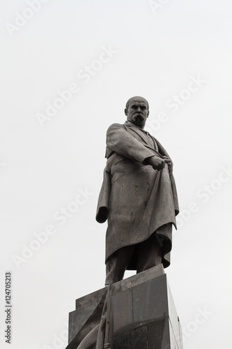 Poster Artistiek mon. The monument to the famous poet Shevchenko