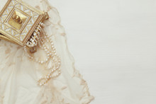 Top View Image Of White Pearls Necklace