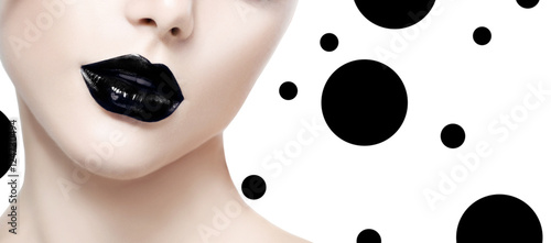 Autocollant pour porte Fashion Lips Beauty fashion model girl face with black makeup