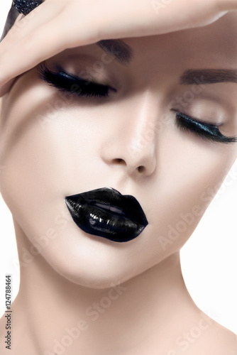 Autocollant pour porte Fashion Lips Beauty fashion model girl with black makeup