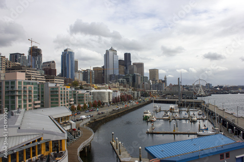 Photo  An overcast view of the Seattle