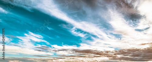 niebo-i-chmury-piekne-lato