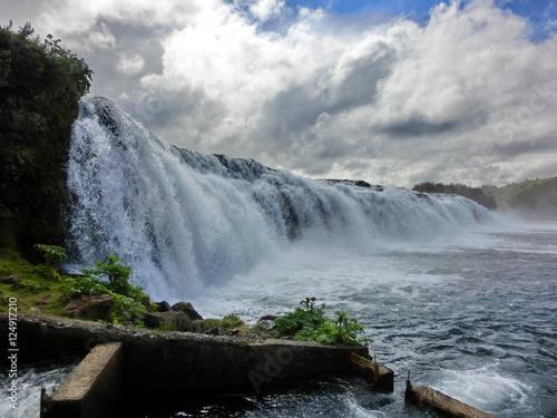 Fényképezés  Beautiful long waterfall in Iceland